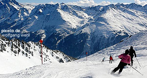 The Arlberg area between Tyrol and Vorarlberg: Great skiing & hiking
