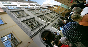 The Mozarthaus in Vienna, popular with tourists - as one can see in this pic.