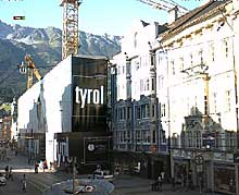 The city center of Innsbruck is also in focus of this Innsbruck webcam